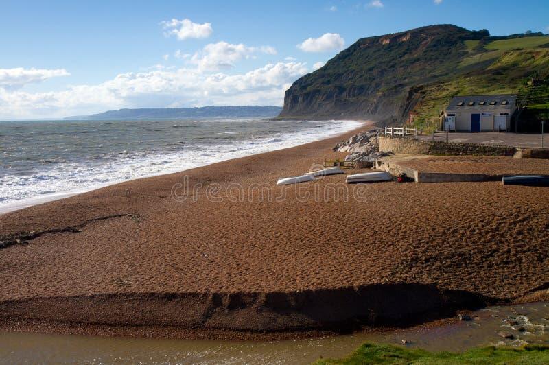 Praia de Seatown em Dorset fotos de stock