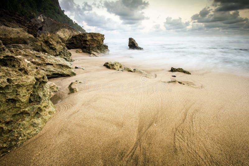 Praia de Seruni, Gunungkidul, Yogyakarta foto de stock royalty free