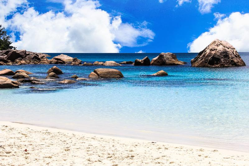 Praia de Seychelles Praslin Anse Lazio fotografia de stock royalty free