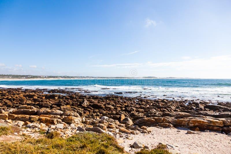 A praia de St Francis do cabo e a baía, África do Sul imagens de stock