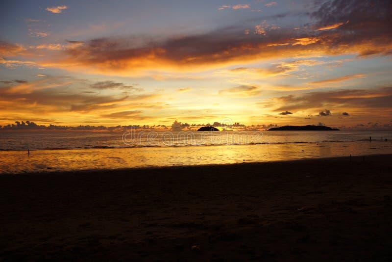 Praia de Tanjung Aru imagem de stock