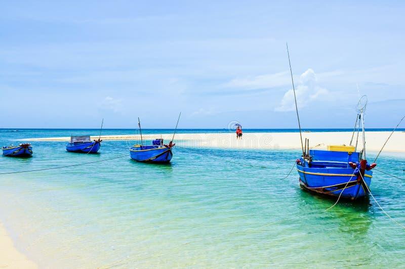 Praia de Trieu Duong - uma praia selvagem em Phu Quy foto de stock