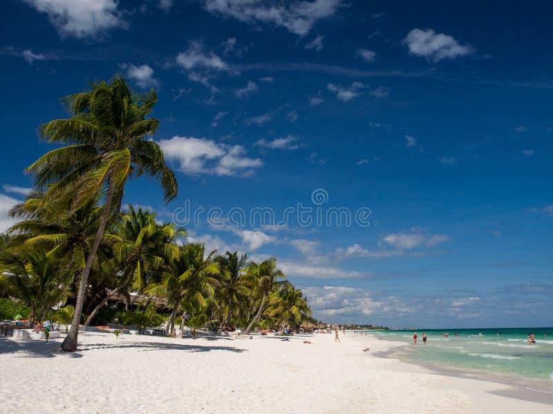 Praia de Tulum em México foto de stock