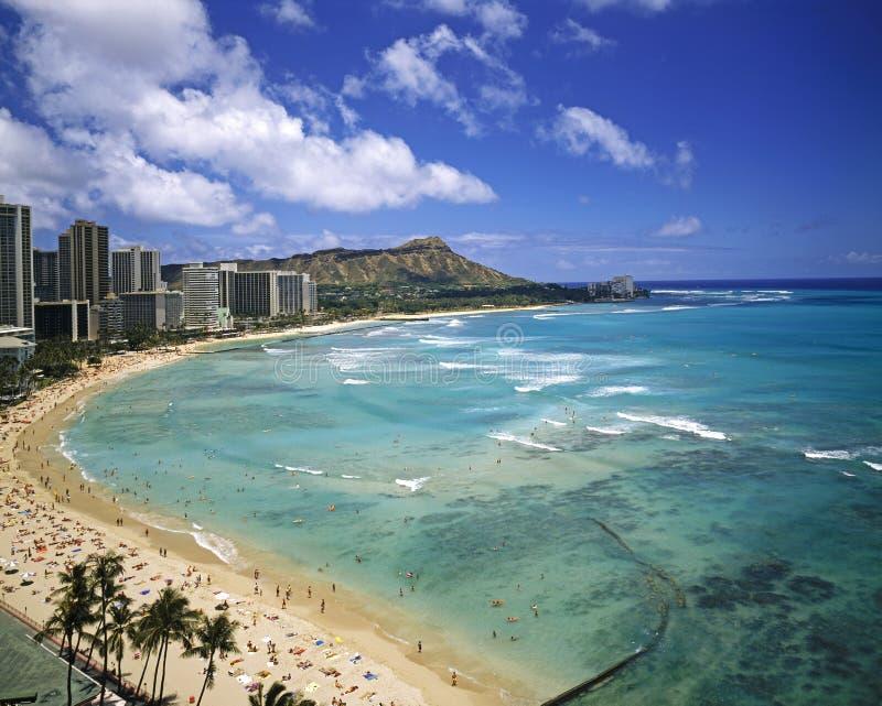 Praia de Waikiki e cabeça do diamante imagem de stock royalty free