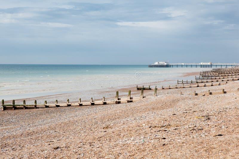 Praia de Worthing, Sussex ocidental, Reino Unido imagem de stock royalty free