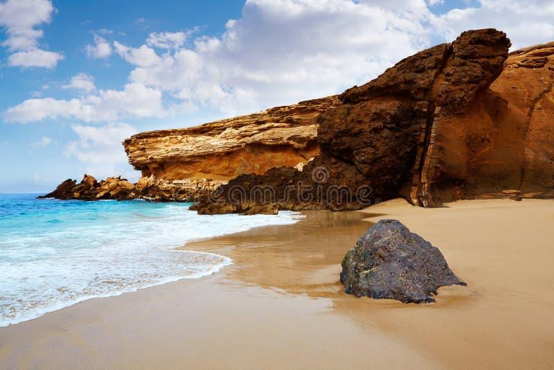 Praia descascada La de Fuerteventura em Ilhas Canárias imagem de stock