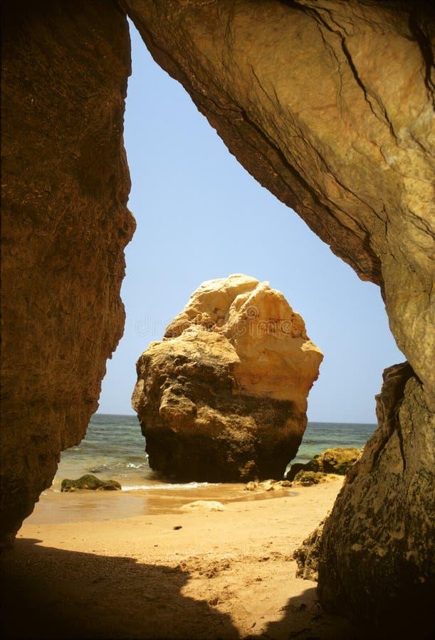 Praia a Dinamarca Rochas imagem de stock royalty free