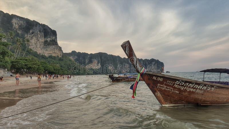 praia do aonang de Tailândia do krabi imagens de stock royalty free