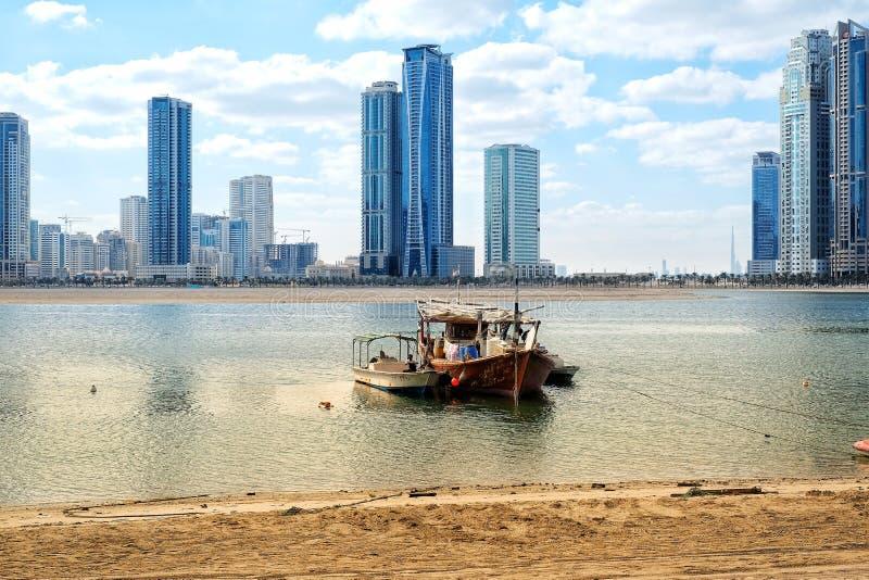 Praia do cornich de Sharjah foto de stock royalty free