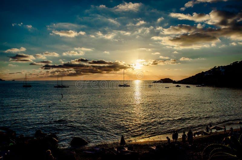 Praia do d'Hort de Cala no por do sol ibiza imagens de stock royalty free