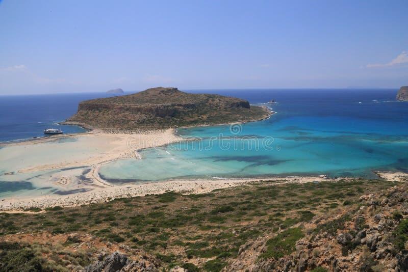 Praia do mar da ilha de Gramvousa com areia cor-de-rosa imagens de stock