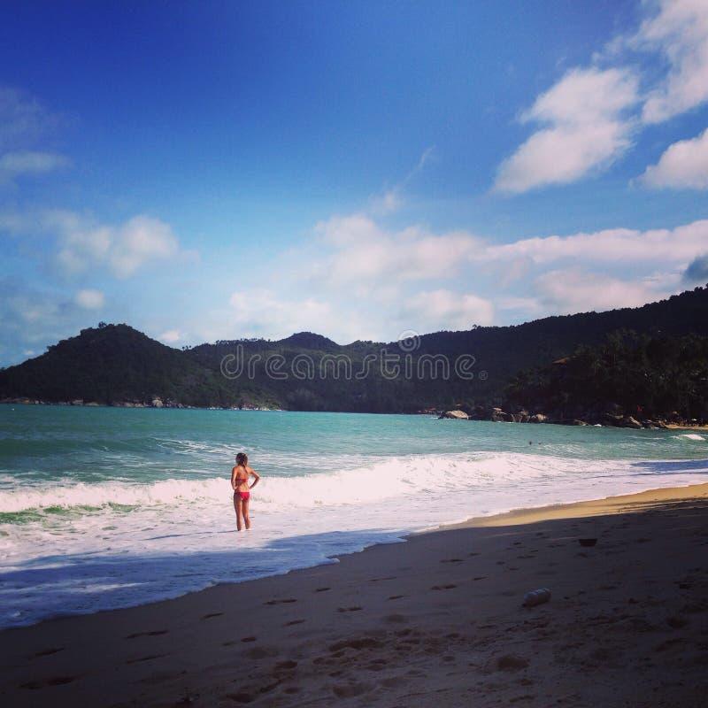 Praia do monte da água de Tailândia KoPhangan do mar imagem de stock royalty free