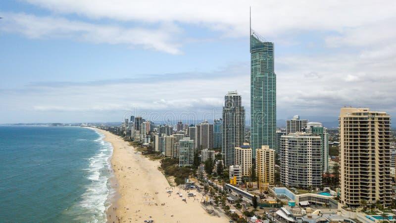 Praia do paraíso dos surfistas de Gold Coast fotos de stock royalty free