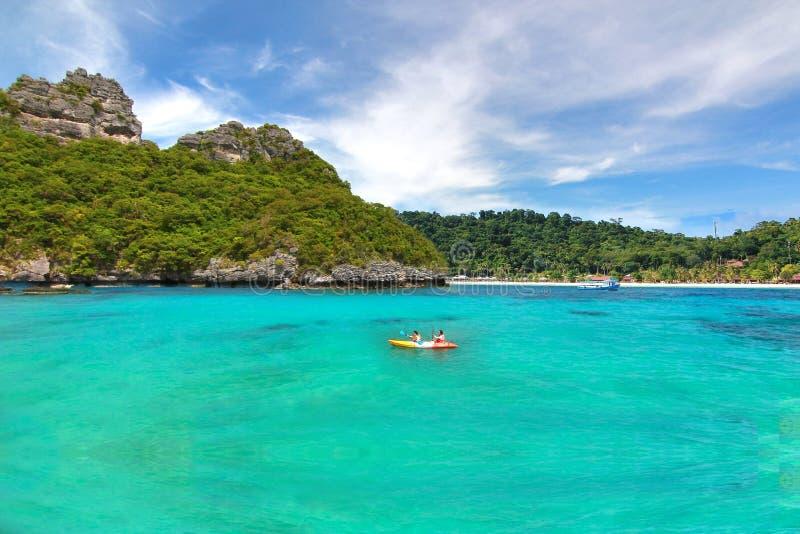 A praia do paraíso em Koh Samui no suratthani, Tailândia fotos de stock