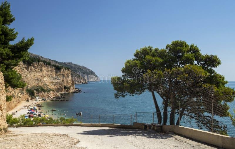 Praia do rossa de Punta em Mattinata - Gargano - Apulia foto de stock