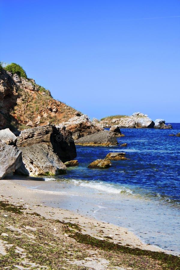 Download Praia do verão foto de stock. Imagem de paisagens, navels - 10055410