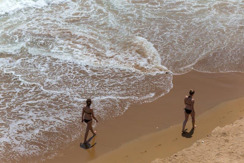 Praia Dona Ana lizenzfreie stockfotografie