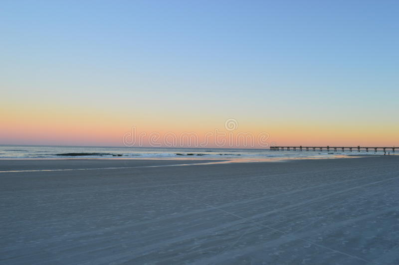 Praia e cais de Jacksonville fotos de stock royalty free