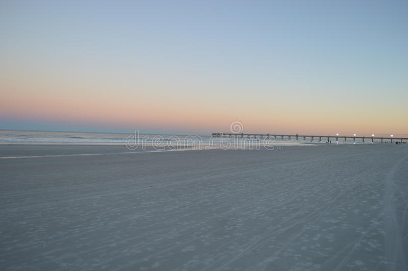 Praia e cais de Jacksonville fotos de stock