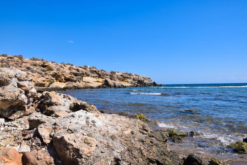 Praia e rochas foto de stock