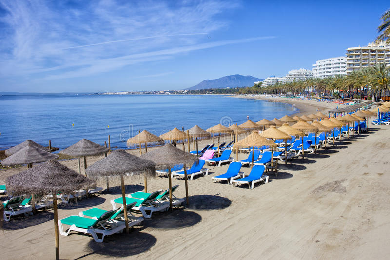 Praia em Costa del Sol em Marbella fotografia de stock