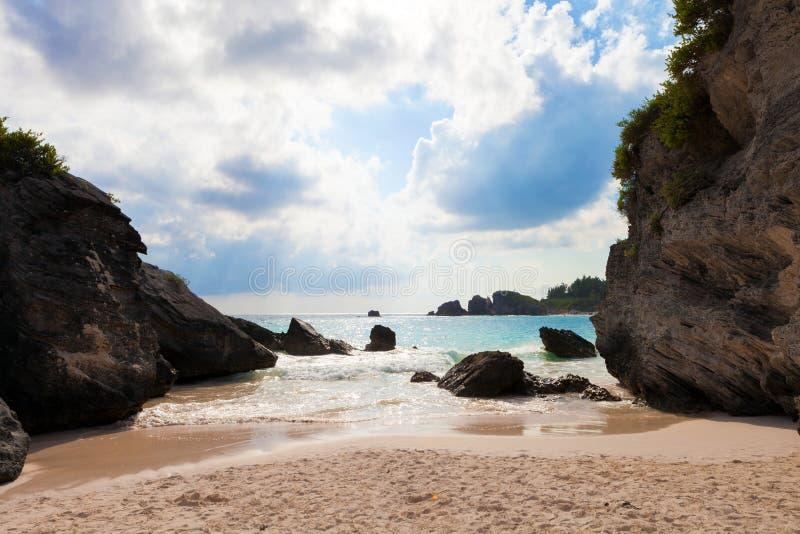 Praia em ferradura Bermuda da baía imagens de stock