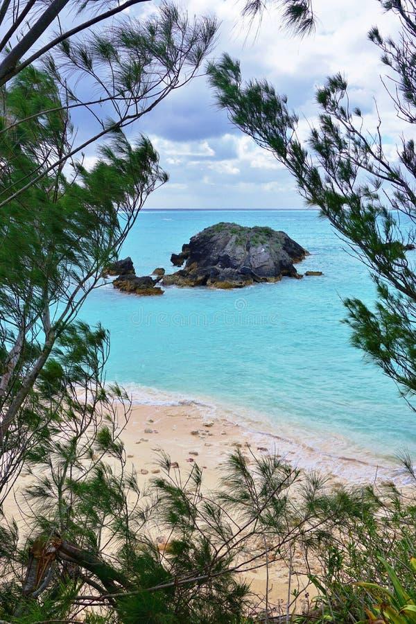 Praia em ferradura da baía em Bermuda imagem de stock royalty free