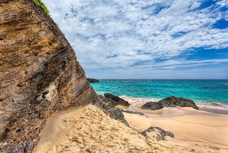 Praia em ferradura da baía em Bermuda fotografia de stock