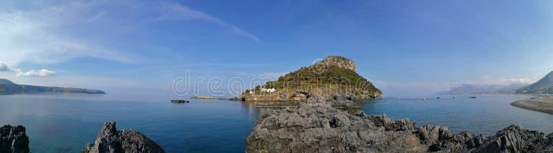 Praia en sto - överblick av kusterna av Fiuzzi royaltyfri bild