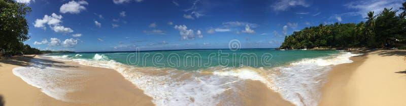 Praia ideal do panorama imagens de stock
