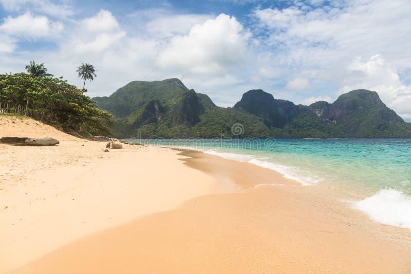Praia impressionante no EL Nido, Filipinas fotos de stock royalty free