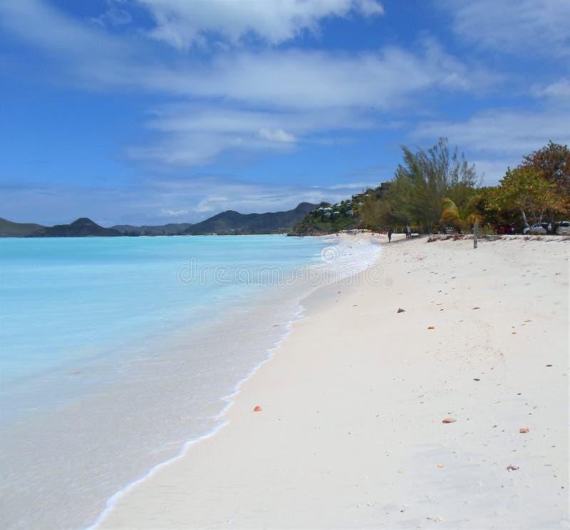 Praia isolado da ilha de Antiqua foto de stock
