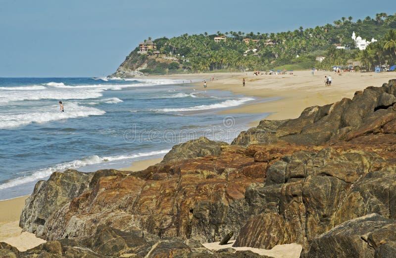 Praia isolado do Oceano Pacífico fotografia de stock royalty free