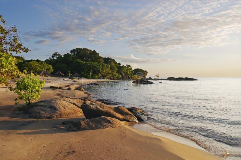 Praia Malawi de Makuzi, amanhecer fotografia de stock royalty free