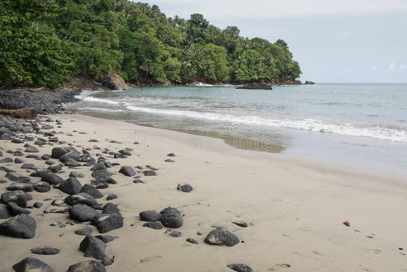 Praia Micondo, São Tomé och Príncipe arkivfoton