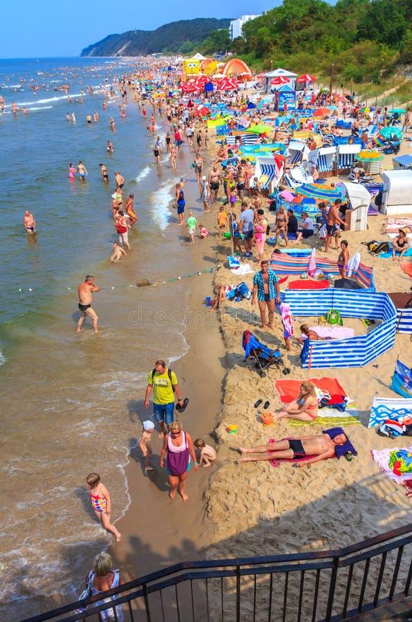 Praia-Miedzyzdroje-Polônia aglomerado imagens de stock