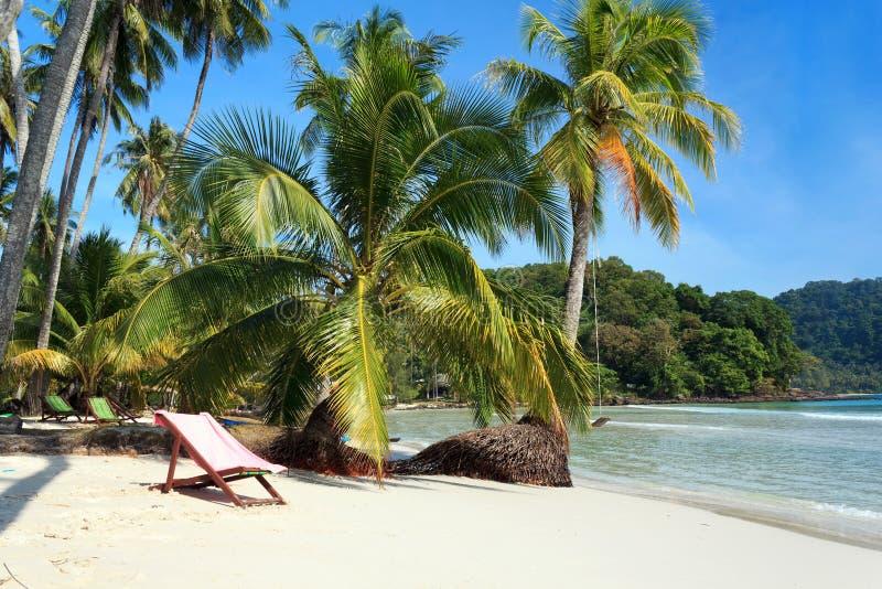 Praia na ilha de Kood do Koh fotografia de stock