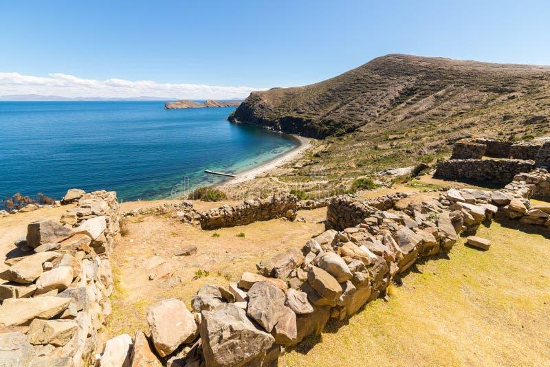 Praia na ilha do Sun, lago Titicaca, Bolívia imagens de stock
