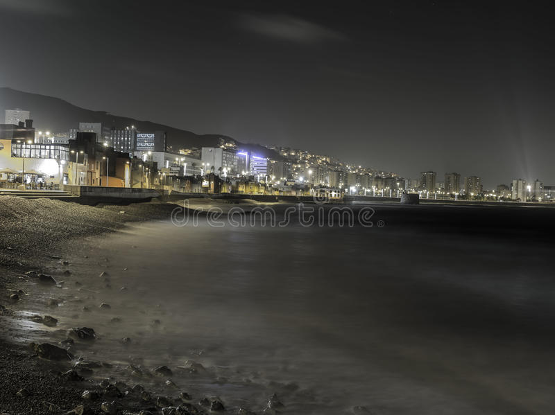 Praia na noite foto de stock