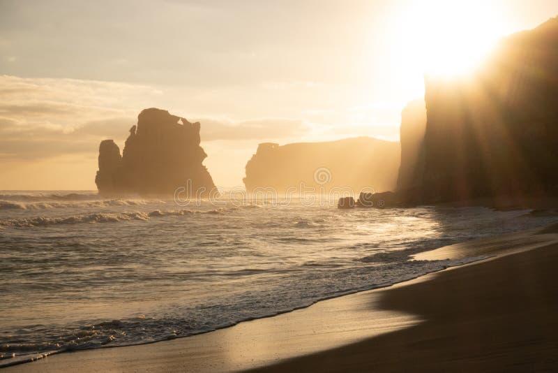 A praia nas etapas de Gibson fotos de stock