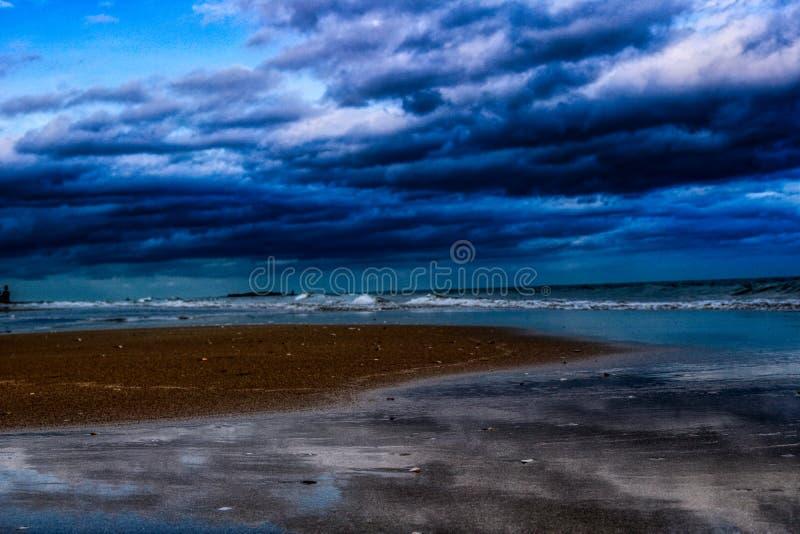 A praia natural da proibição Krut em Tailândia fotografia de stock royalty free