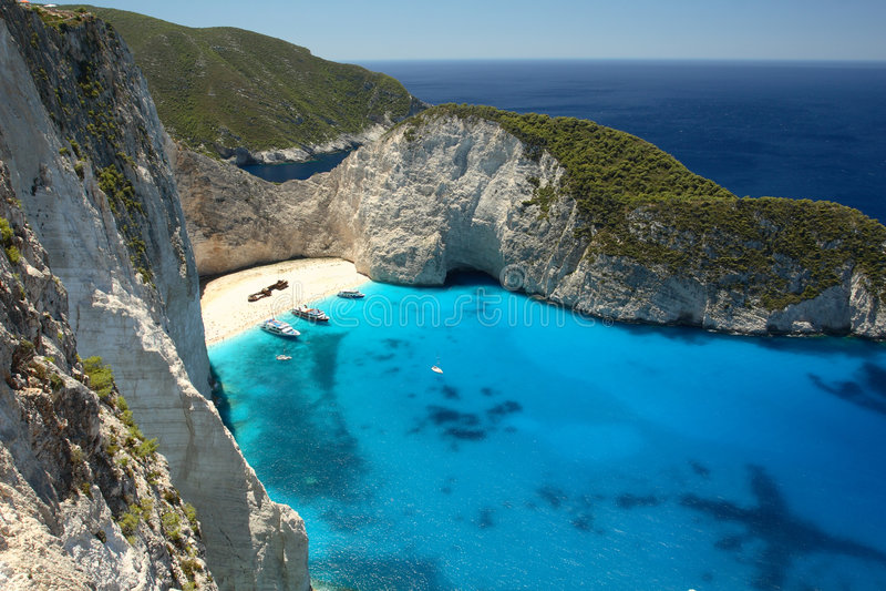 praia Navagio em Zakynthos, Greece fotos de stock