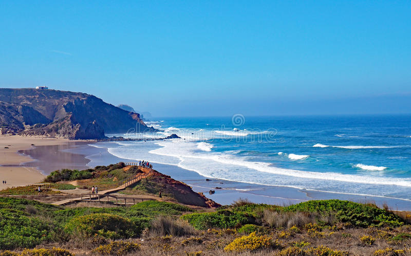 Download Praia no Algarve, Portugal foto de stock. Imagem de portuguese - 80101710