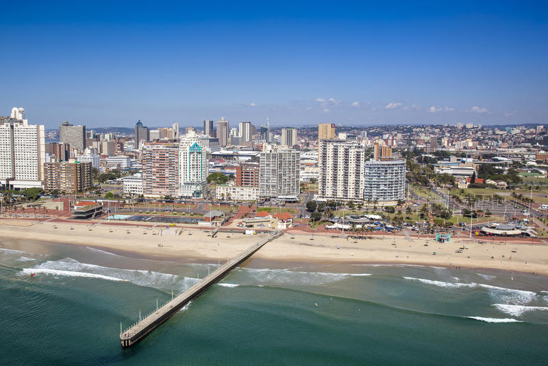 Praia norte da milha dourada de Durban imagens de stock royalty free