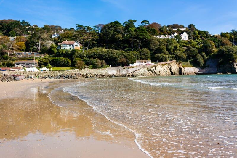 Praia norte Salcombe Devon das areias imagem de stock