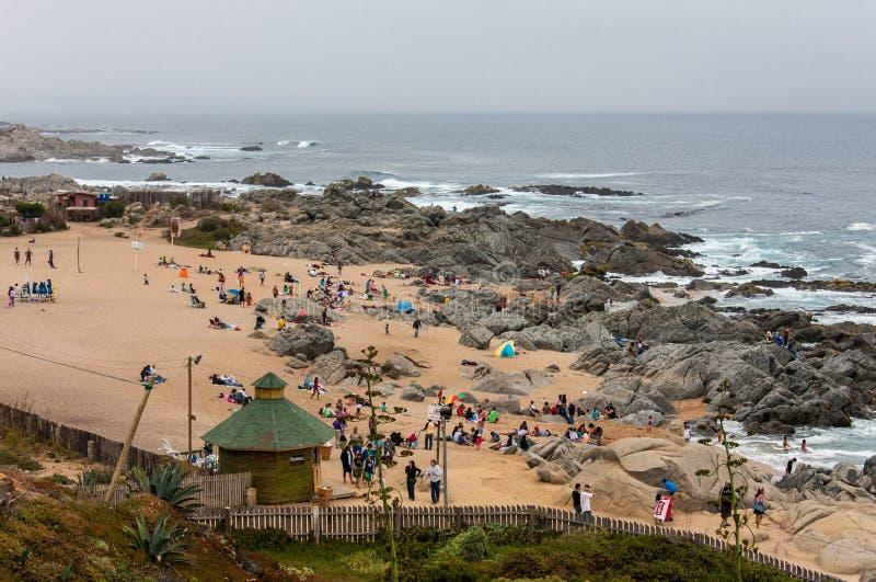 Praia o Chile de Isla Negra fotos de stock royalty free