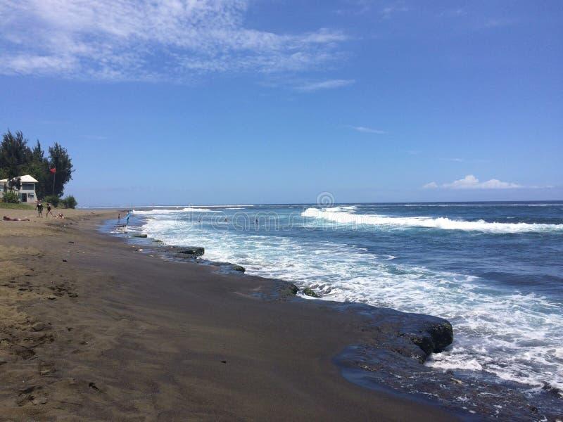 Praia preta da areia fotos de stock royalty free