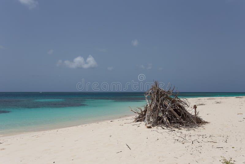 Praia remota fotografia de stock