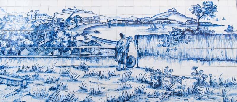 Praia som var stor från det Bom Parto fortet, var drog på den keramiska väggen av George Chinnery i 1835 arkivbild