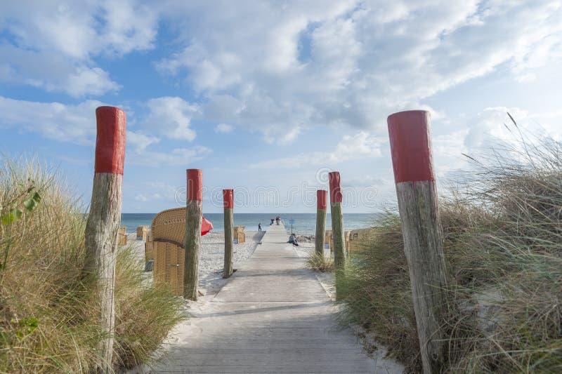 Praia sul em Burgtiefe foto de stock royalty free